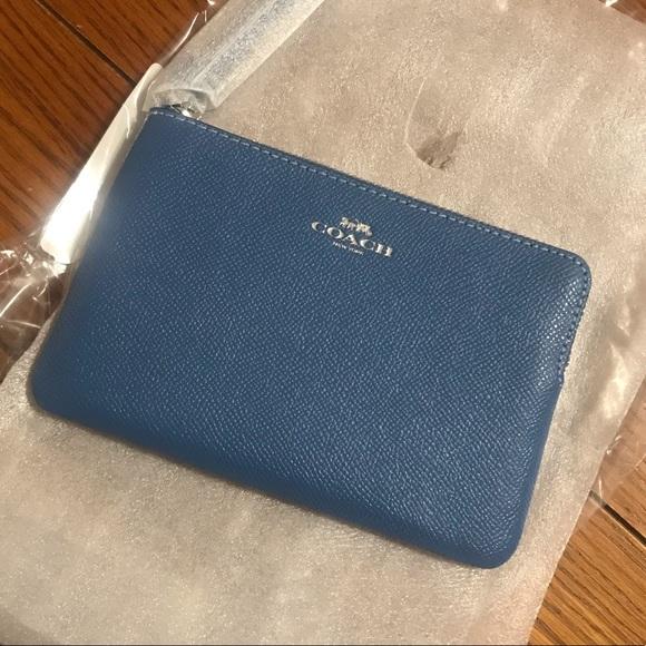 Coach Handbags - NEW COACH corner zip wristlet/wallet